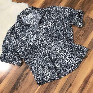 💎 Rebecca Malone Snow Leopard Print Top Size XL